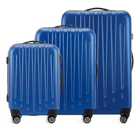 1677a46eda322 Komplet walizek na kółkach Wittchen. Indeks produktu: V25-10-75X-90 Kolor:  niebieski Cena: 645zł za trzy walizki