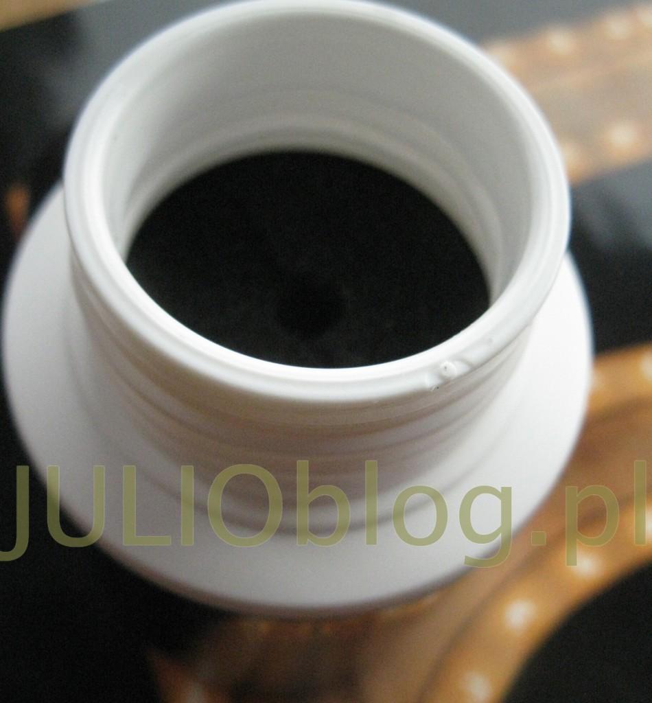 julioblog.pl-recenzje-kosmetyczne-julii-zmywacz-do-paznokci-L-Oreal-Paris-Le-Flash-Manicure-Remover-1-Second-z-gąbką