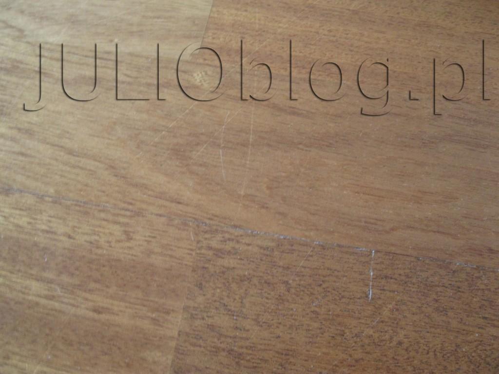 julioblog.pl-deska-podlogowa-warstwowa-sapella-family-3-lamele-ze-sklepu-leroy-merlin-po-3-latach-i-9-miesiącach-użyutkowania-pęknięta-deska-przetarty-lakier