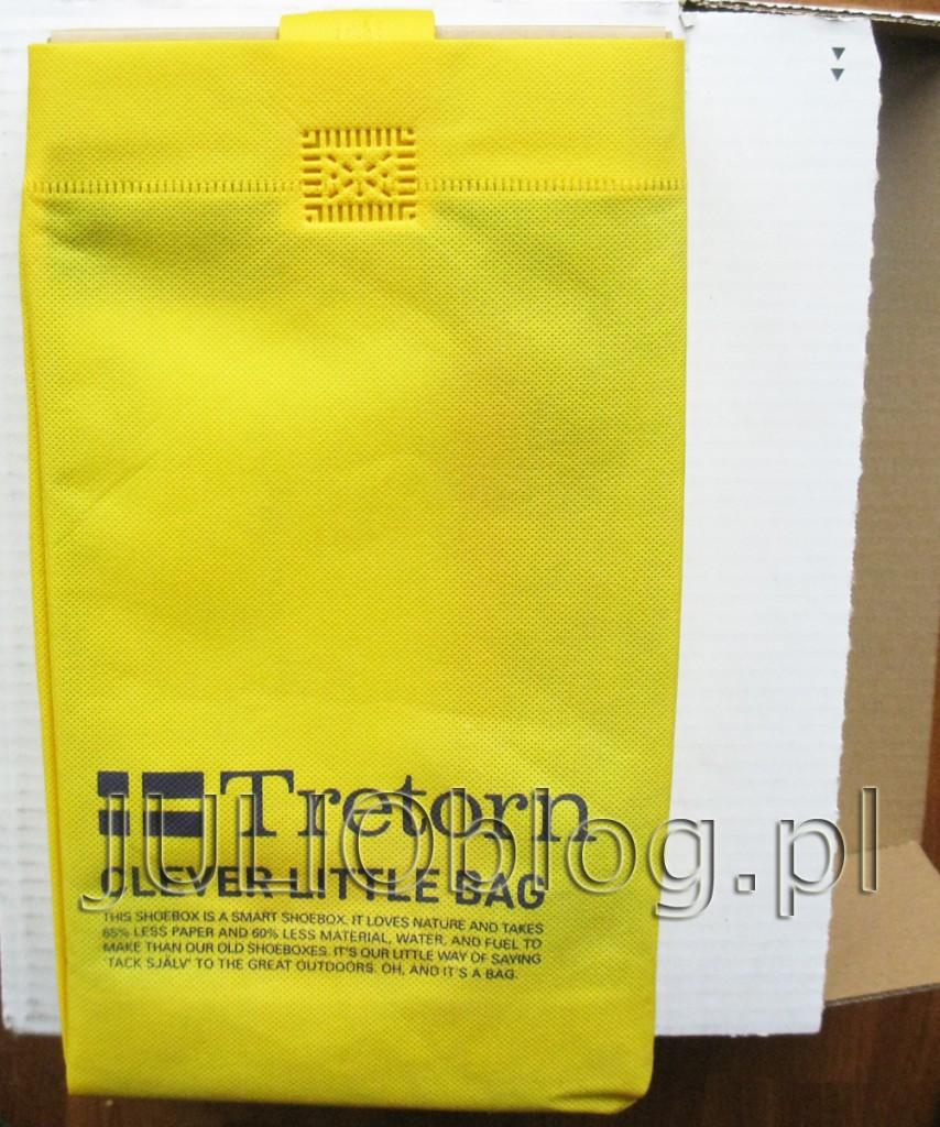 przesyłki z zakupami w tym tygodniu. Trampki TRETORN – Seksti Mesh 47 288203 Dandelion w pięknym żółtym kolorze. Wygodny fason marki Tretorn. Do charakteru butów pasuje cholewka: materiał, skóra naturalna – licowa. We wnętrzu wkładka: materiał, z wypustkami. Materiał podeszwy to wysokogatunkowe tworzywo. Codzienna, wygodna propozycja w dobrym stylu.Trampki TRETORN – Seksti Mesh 47 288203 Dandelion – żółte Trampki TRETORN – Seksti Mesh 47 288203 Dandelion – żółte: Producent: Tretorn Model: Seksti Mesh 47 288203 Kolor: Żółty Cholewka: materiał, skóra naturalna – licowa Wnętrze: materiał Wkładka: materiał, z wypustkami Technologie: Shock Point. Tutaj małe zaskoczenie, bo znakomita technologia Shock Point jest mi znana raczej z butów ECCO. Duży plus dla Trentorn. Wysokość całkowita buta: 7,5 cm Podeszwa: wysokogatunkowe tworzywo Grubość podeszwy: 2 cm Inne: sznurówki z materiału