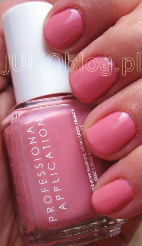 julioblog.pl-blog-julii-lakier-do-paznokci-essie-professional-application-wąski-pędzelek-profesjonalna-wersja-dla-salonów-manicure-kolor-odcień-swatch-814-I-AM-STRONG-manicure-essie-nail-polish-13.5-ml-róż