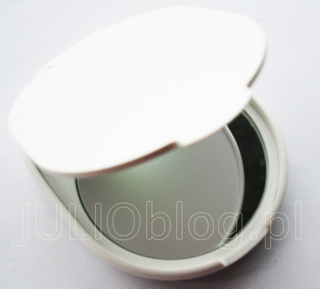julioblog.pl-zakupy-julii-braun-face-depilator-szczoteczka-do-twarzy-399,99zł-831-beauty-lusterko-podświetlane-w-zestawie