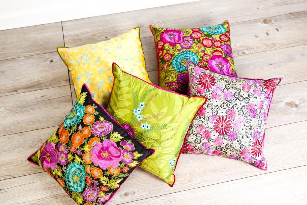 julioblog.pl blog julii kolorowe kwieciste poduszki westwing Shingora_MOOD