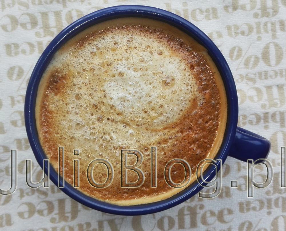 julioblog.pl-blog-julii-kawa-kawusia-poranna-kawa-w-kubku-kawka-z-pianką-duża-coffee-ESPRESSOKAFFE-KAFFE