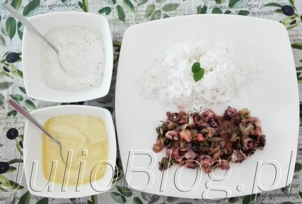 julioblog.pl-blog-Julii-Owoce-morza-w-dwoma-dipami-pyszny-szybki-obiad-fit-gotowanie-małże-krewetki-ośmiorniczki-kalmary-przygotowanie-łatwy-przepis-przepisy-zdrowe-gotowanie-20-minut