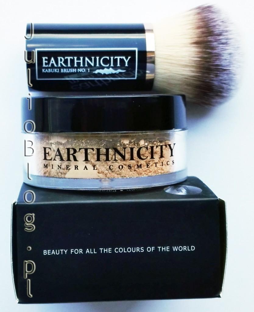 pędzel-kabuki-EARTHNICITY-80zł-podkład-mineralny-earthnicity-mineralsHoney-Beige-SPF15-9G-89.90zł-jak-nakładać-kosmetyki-mineralne-skóra-sucha-atopowa-suche-skórki-trądzik-tłusta