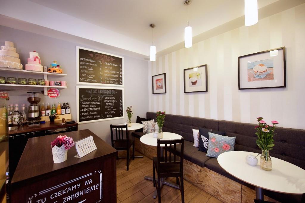 miss-cupcake-wnetrze-lokalu-kawiarni-cukierni-julioblog-pl-blog-julii