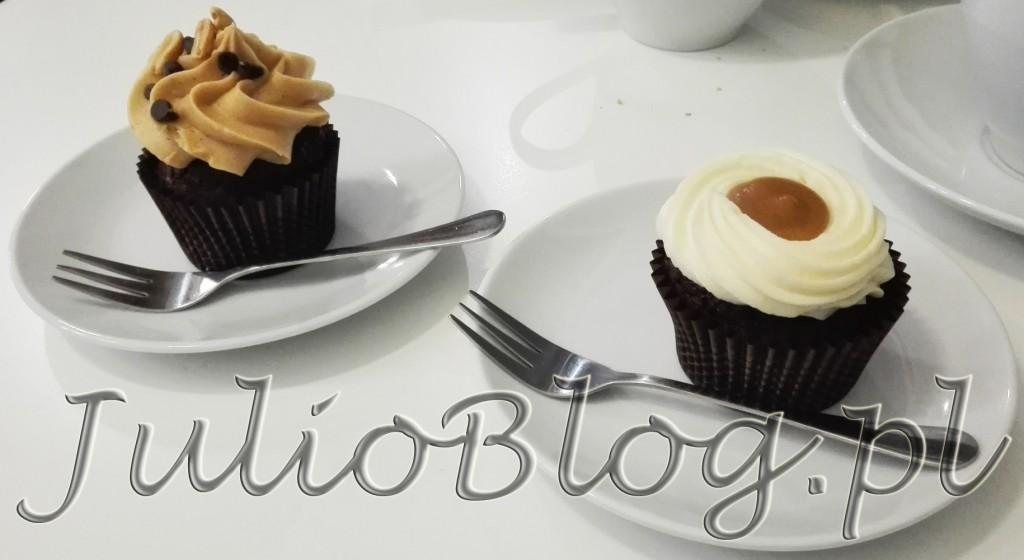 babeczki-cupcakes-babeczka-solony-karmel-slony-karmel-cupcake-z-maslem-orzechowym-maslo-orzechowe-miss-cupcake-katowice-cena-6zl-julioblog-pl-blog-julii-recenzje-kulinarne