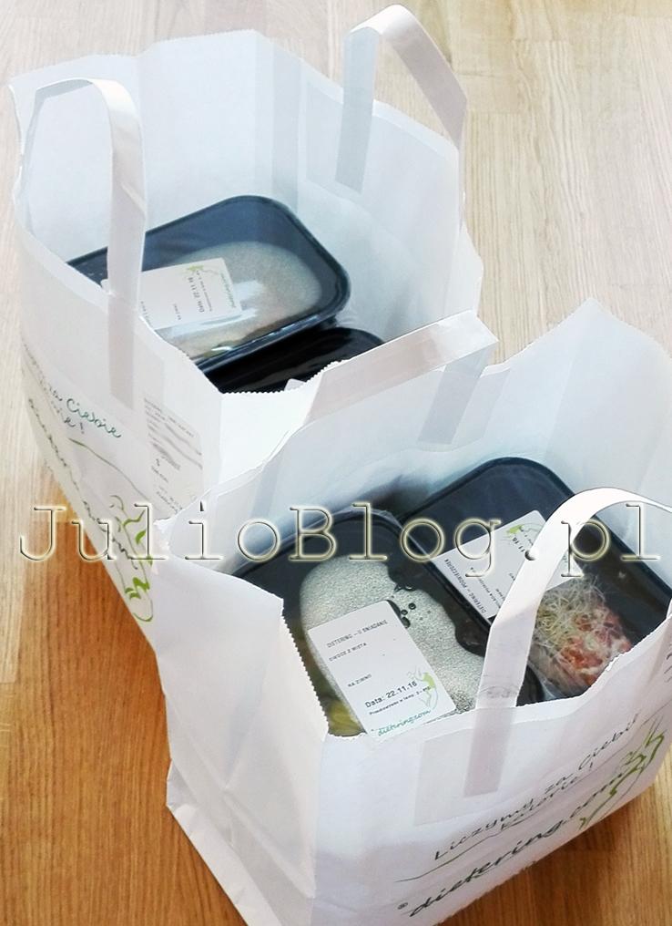 dietering-catering-dietetyczny-julioblog-pl-blog-julii-czy-warto-jak-dziala-dieta-pudelkowa-z-dostawa-do-domu-opinia-ocena-kateringu-dietetycznego-czy-jestem-zadowolona-z-diety-pudelkowej