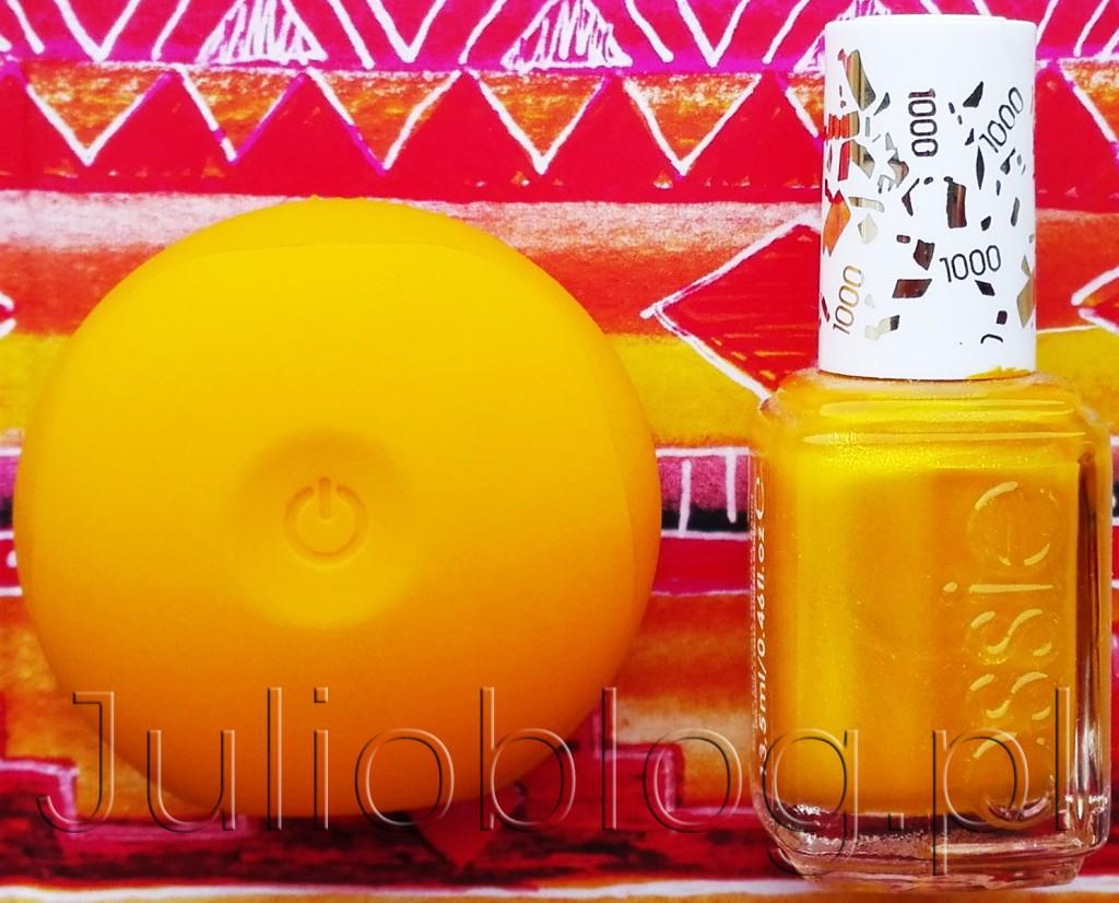FOREO-LUNA-Play-Sunflower-Yellow-ESSIE-Professional-Application-1000-AIM-TO-MISBEHAVE-soniczna-szczoteczka-Foreo-silikonowa-miniaturowa-wersja-zółta-żółty-lakier-do-paznokci-Essie