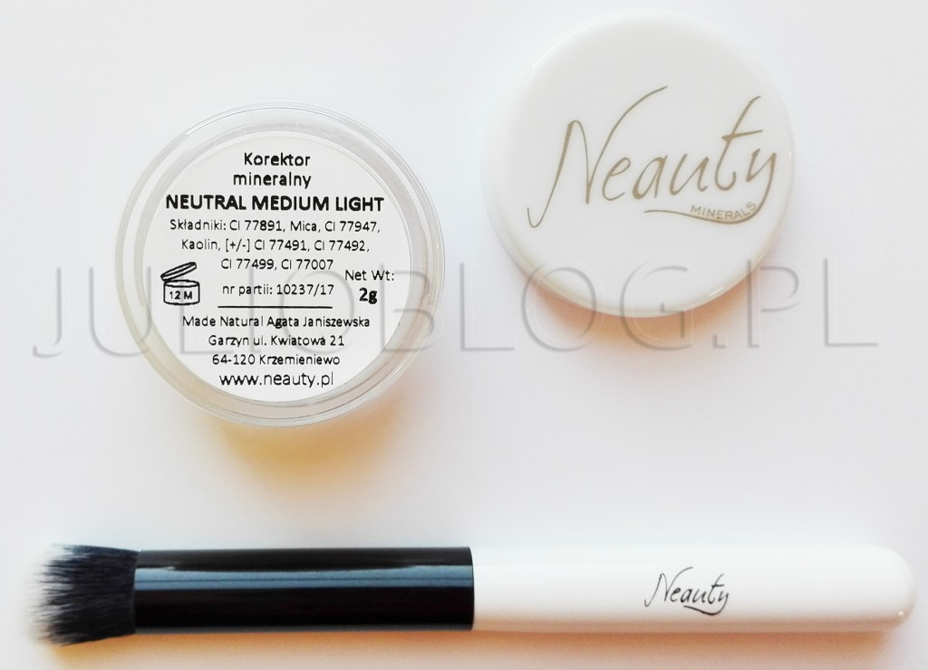 JulioBlog.pl-Korektor-mineralny-Neauty-Minerals-NEUTRAL-MEDIUM-LIGHT-100-procent-naturalne-korektory-makijaż-kosmetykami-mineralnymi-pędzel-do-korektora-mineralnego-made-in-POLAND