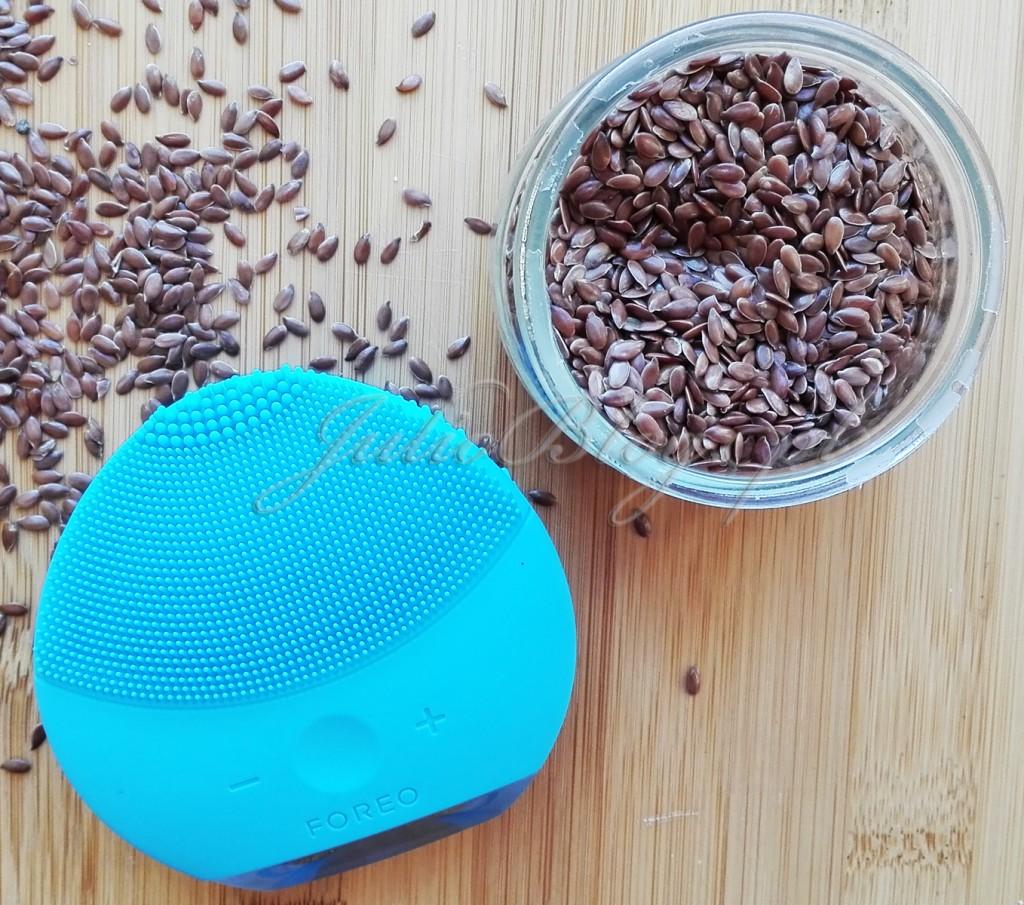 DIY-maseczka-z-siemienia-lnianego-domowa-maseczka-nawilżająca-siemę-lniane-szczoteczka-do-oczyszczania-skóry-FOREO-LUNA-mini-2-domowa-SPA-diy-zabieg-oczyszczania-nawilżania-cery