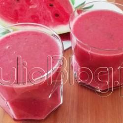 owocowy-zdrowy-fit-szybki-łatwy-koktajl-czerwone-smoothies-przepis-malinowy-arbuzowy-bazylia-z-bazylią-JulioBlog.pl-blog-Julii-przepisy-FIT-szybkie-proste-błyskawiczne-koktajle-dietetyczne