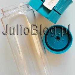 BUTELKA FILTRUJĄCA BRITA FILL & GO VITAL. Butelka do filtracji wody Brita BRITA Fill & Go Vital BRITA fill&go Vital to poręczna alternatywa dla wody butelkowanej, która zapewni Ci optymalne nawodnienie przez cały dzień. Dzięki niej możesz mieć dostęp do świeżej, smacznej wody gdziekolwiek jesteś: w biurze, na uczelni, na siłowni, czy też podczas podróży. BRITA fill&go Vital – wygoda i praktyczność: Optymalne nawodnienie prze cały dzień. Smaczna woda bez zanieczyszczeń i nieprzyjemnego zapachu. Sporotwa, elastyczna butelka wielokrotnego użytku. Ekonomiczne rozwiązanie: tylko 0,13 zł za 1 litr wody. Wygoda – butelkę można napełnić wodą gdzielkolwiek jesteśEkologia – używanie butelki filtrującej pozwala na redukcję plastikowych odpadów. Za świeży smak wody odpowiada wkład filtrujący MicroDisc. Stworzony z naturalnego materiału – sprasowanego węgla aktywnego, pozyskiwanego ze skorup orzecha kokosowego. Efektywnie redukujący chlor, zanieszczyczenia mechaniczne oraz ograniczne przy jednoczesnym zachowaniu cennych minerałów, takich jak wapń i magnez. Z milionem małych porów zatrzymujących substancje niekorzystnie wpływające na smak i zapach wody. Jeden filtr może przefiltrować 150 L wody. Opakowanie z wkładami wymiennymi zawiera 3 dyski filtrujące co odpowiada 450 litrom wody pitnej. Wkład filtrujący MicroDisc do butelki do Brita BRITA Fill & Go Vital. Stworzony ze sprasowanego węgla aktywnego, pozyskiwanego ze skorup orzecha kokosowego. Wkład filtrujący MicroDisc do butelki do Brita BRITA Fill & Go Vital. Stworzony ze sprasowanego węgla aktywnego, pozyskiwanego ze skorup orzecha kokosowego. Co najbardziej podoba mi się w butelce BRITA Fill & Go Vital? 0.6L, 150L, BIDON, BIEGANIE, BISFENOL A, BLACK+BLUM, BLACK+BLUM LONDON, BRITA, BUTELKA Z FILTREM, CHLOROWANY SMAK WODY Z KRANU, ĆWICZENIA, DAFI, DLA DZIECI, DLA NIEMOWLĄT, FILTR BINCHŌTAN, FILTR DO BUTELKI, FILTR DO WODY, FILTR WĘGLOWY, FILTR Z WĘGLA BIAŁEGO, FILTRACJA WODY, FILTROWANIE WODY, GOŚCIE, HYDRATACJA, JAZDA NA ROW